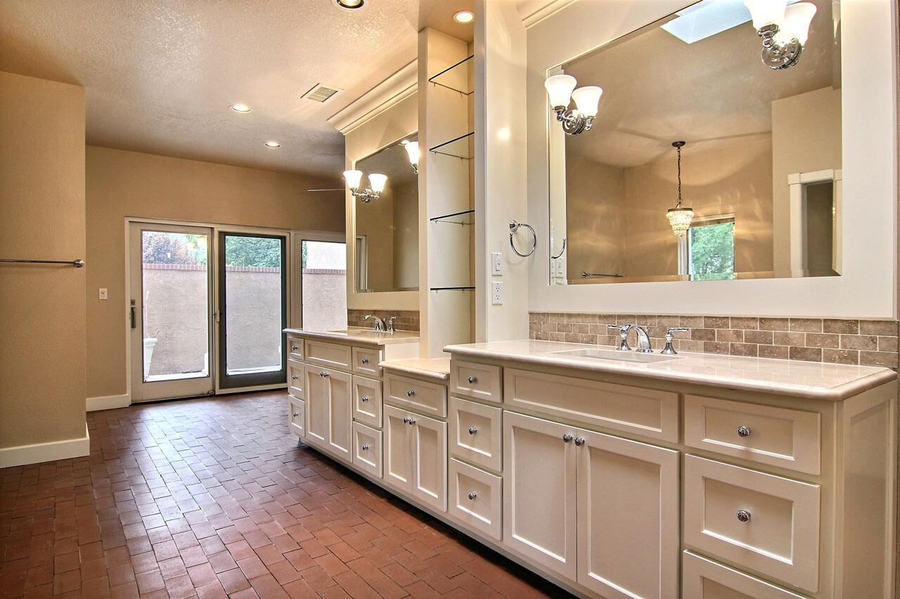 Brick floor bathroom - Clay Thin Brick Bathroom Floor