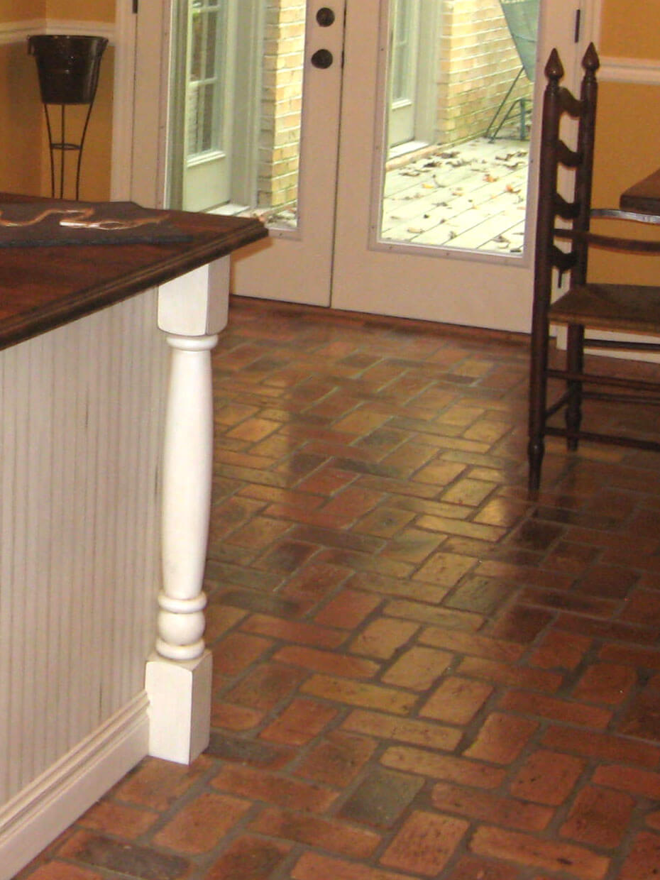 Reclaimed Inside Cut Thin Brick Kitchen Floor Brick